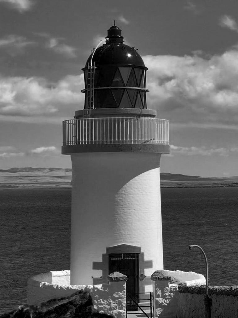 lighthouseBW
